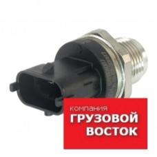 Датчик давления рампы топливной Е4 Fuso Canter =BOSCH= ME228918